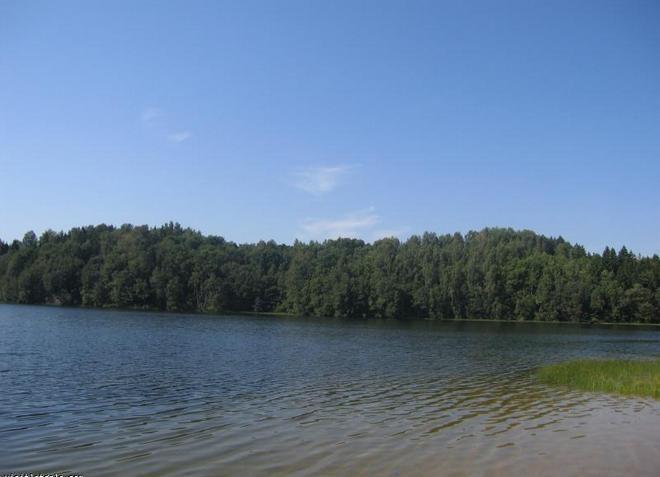 Озеро Дзидрис - славится своей глубиной