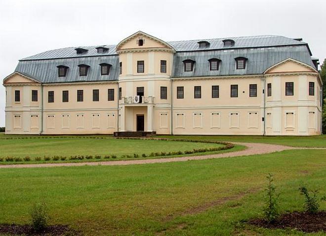 Дворец Платеров - родовое поместье с богатой историей