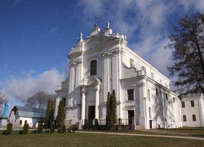 Краславский католический собор, в котором хранятся знаменитые фрески
