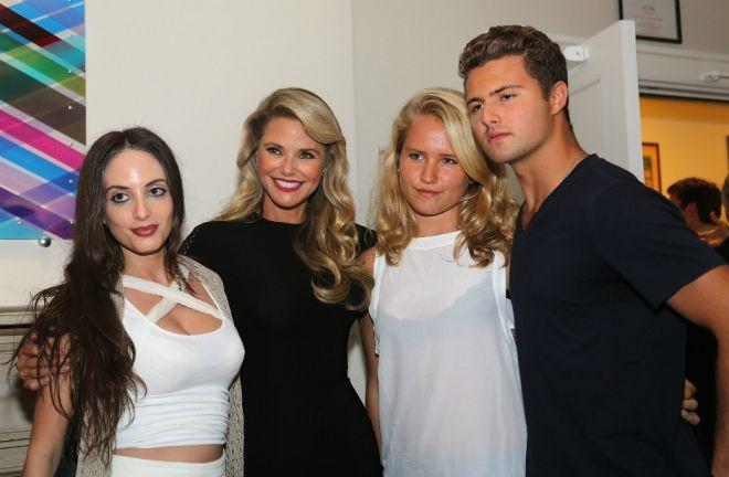 Кристи Бринкли с дочерьми Сейлор Ли, Алексой Рэй и сыном Джеком