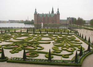 Площадь перед замком Кронборг