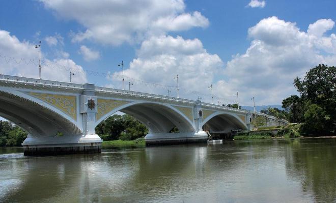 Мост над рекой Перак