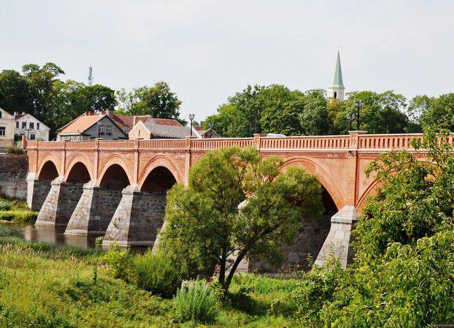 Кирпичный мост через Венту