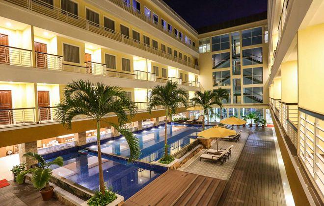 Внутренний двор отеля Sylvia в Купанге