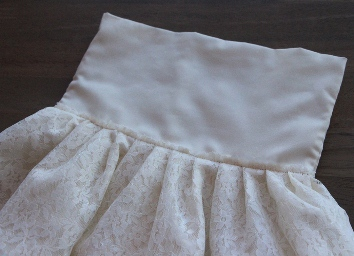 Koronkowa sukienka z własnymi rękami10