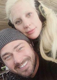 Леди Гага и Тейлор Кинни все свободное время стараются провести вместе
