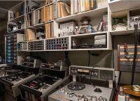 В одной из комнат есть музыкальная студия