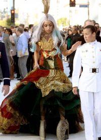 Лади Гага Костими 3
