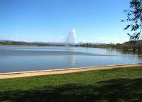 Озеро и фонтан