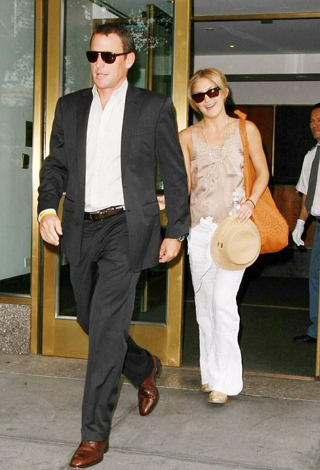 Армстронг и Кейт Хадсон в 2008 году