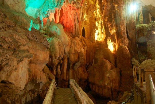 Пещера Там Чанг