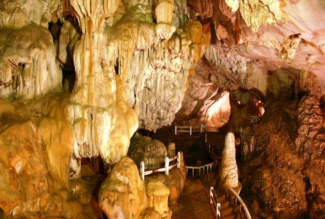 Пещера Там Санг