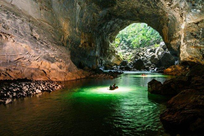 Пещера Там Хун