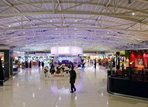 Аэропорт в Ларнаке внутри