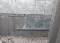 Постављање плочица у купатилу25