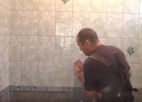 Постављање плочица у купатилу38