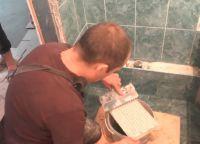 Постављање плочица у купатилу64