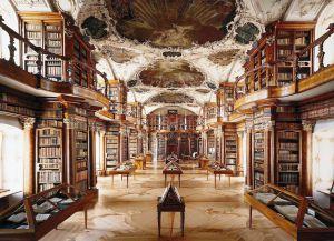 Главный зал в стиле рококо