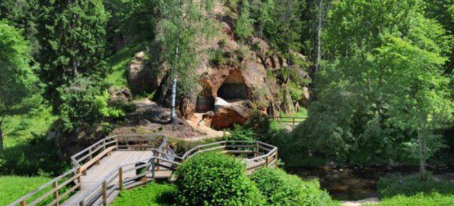 Местные пещеры