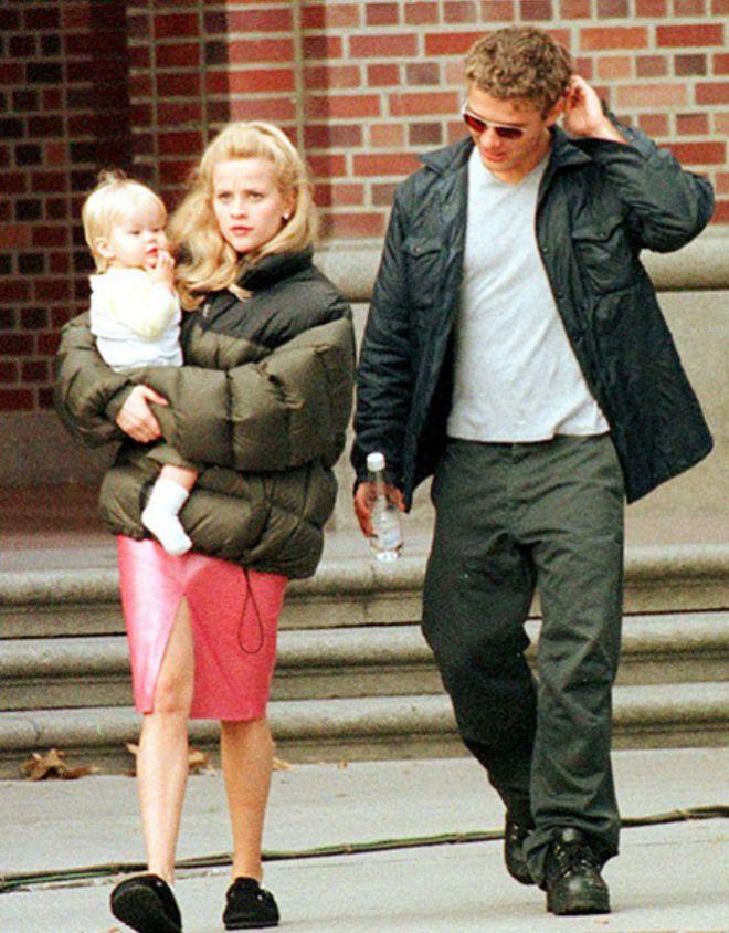 Риз Уизерспун с первым супругом, Райаном Филиппом и дочерью Авой