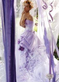 suknia ślubna z liliową wstążką 9