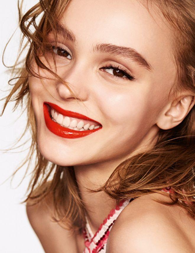 Лили-Роуз Депп в рекламе Chanel Rouge Coco Gloss