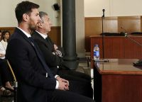 Лионель Месси и его отец Хорхе приговорены к 21 месяцу тюрьмы
