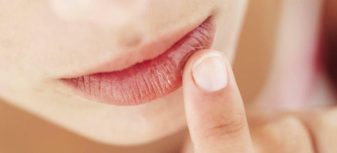 Как ухаживать за губами после перманентного макияжа