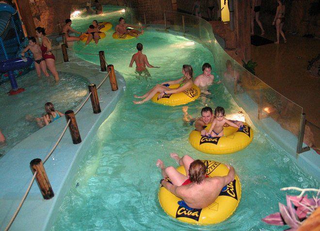 Ливский аквапарк предоставляет развлечения для взрослых и детей