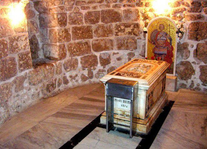 Мощи святого Георгия, которые находятсяв церкви в городе Лод