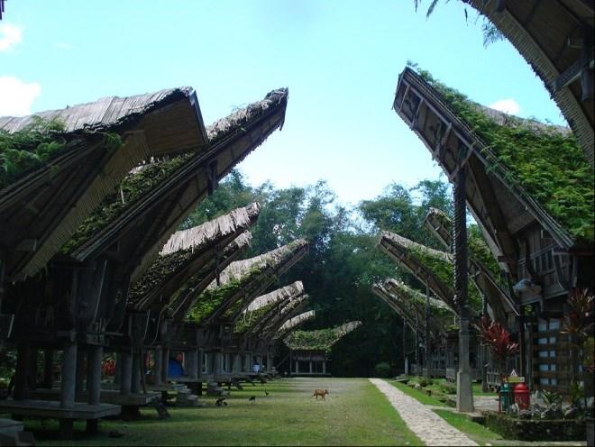 Интересная архитектура построек в деревнях