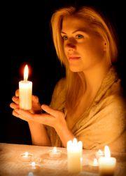 љубав пламену на свећи