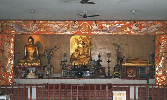 Сцена рождения Будды в монастыре Вихара