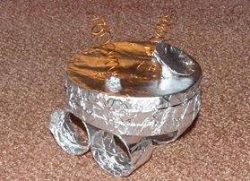 lunarni rover z lastnimi rokami3