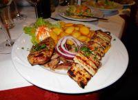 Фирменное блюдо в ресторане Athena Restaurant Grec