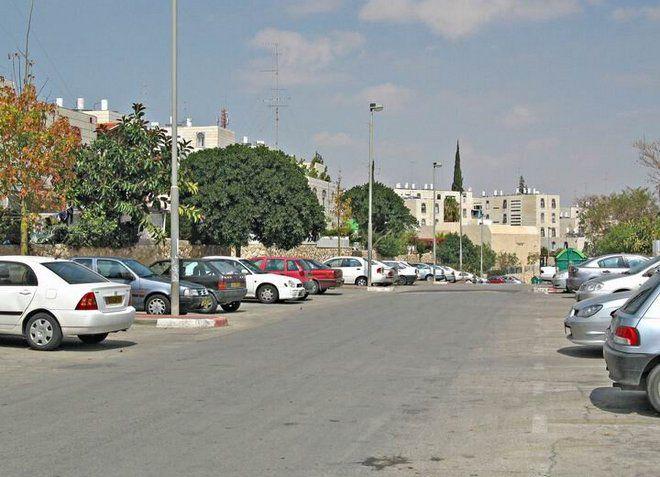 Одна из центральных улиц Маала-Адумим