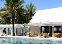Отель Tropical Attitude Hotel  бассейн