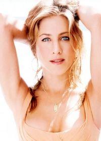 Makeup Jennifer Aniston1