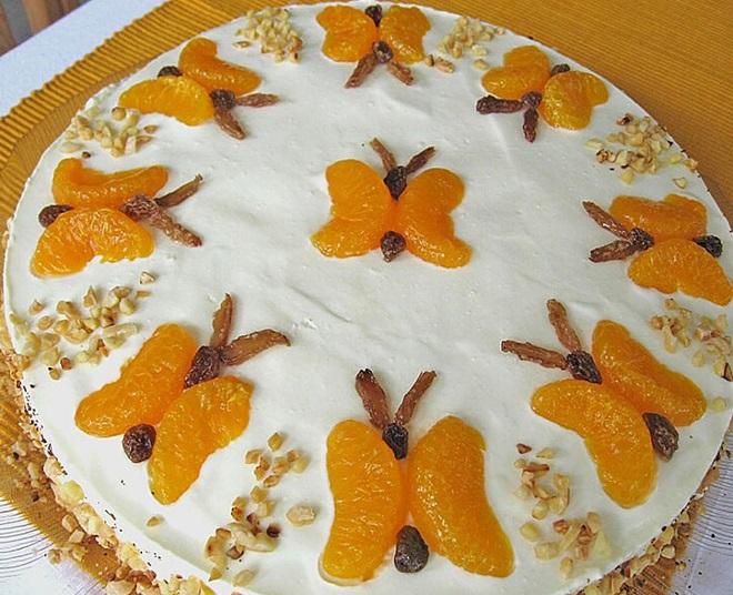 Како украшити колач са тангерини и грожђем