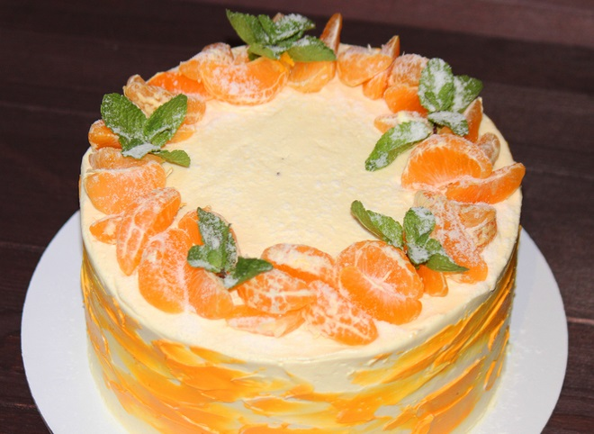 Како украсити торту са тангерини и кремом