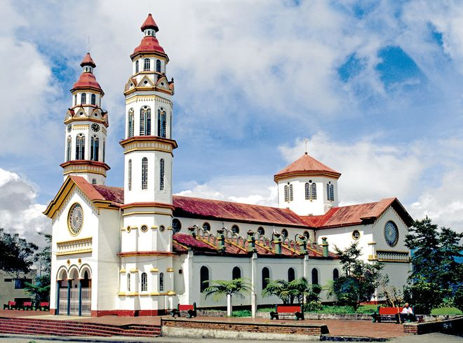 Церковь Богоматери Розарио, Манисалес