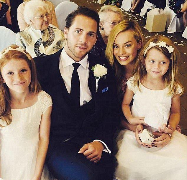Марго Робби вышла замуж за Тома Акерли во время секретной церемонии