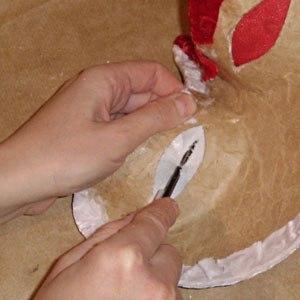 Maska papier mache
