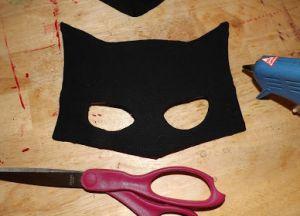 jak zrobić maskę batmana z kartonu3