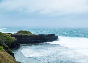 Пляж Гри-Гри скалы