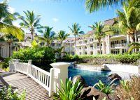 Отель LUX Belle Mare, Mauritius изнутри