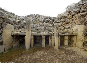 Храм Джгантия внутри