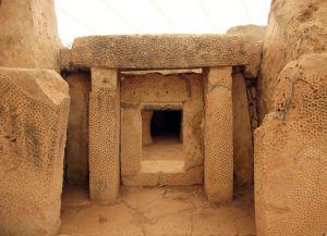 Храм Мнайдра