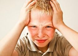 симптоми на менингит при дете