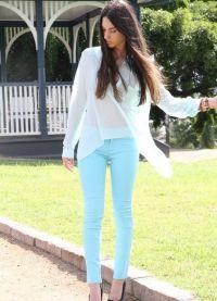 kolor mentolu w ubraniach 11